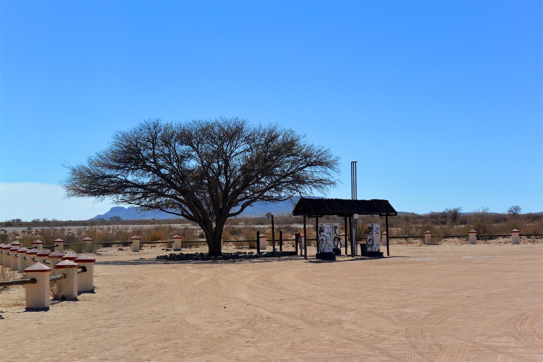 Tag-05-Namibia-Motorrad-0369