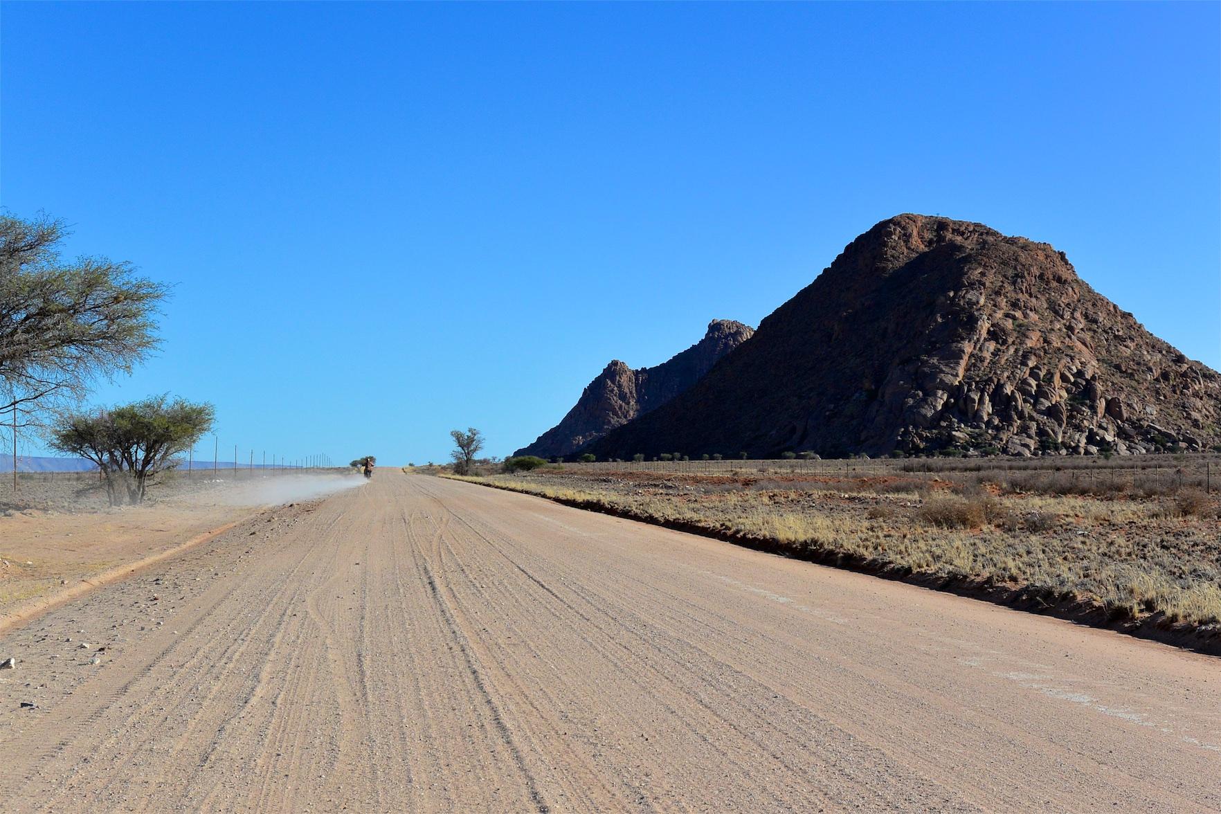 Tag-02-Namibia-Motorrad-0065
