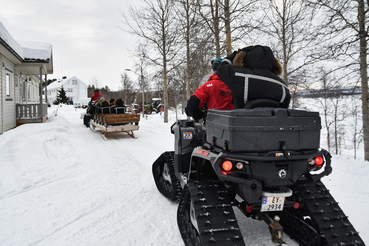 15-Kirkenes-Schlittenhunde-0776