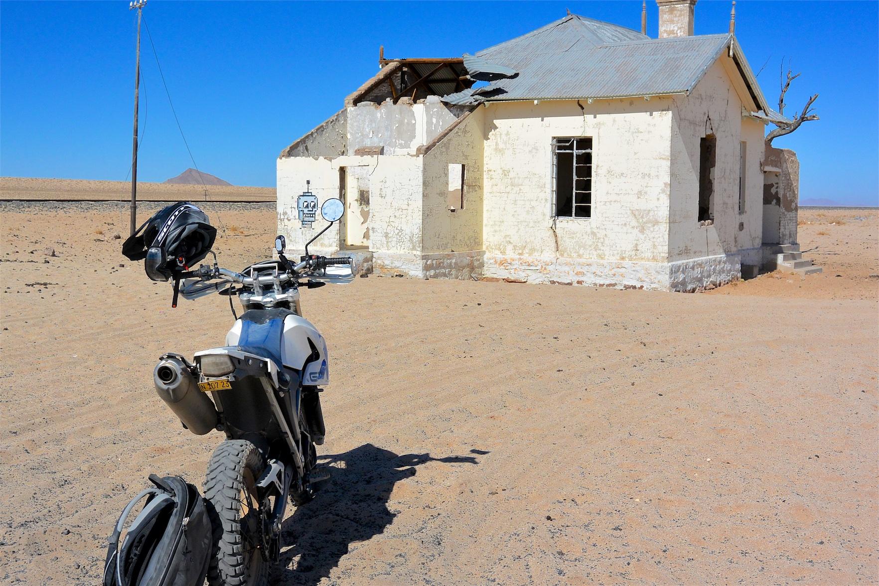 Motorradtour: An der Lüderitzbahn in der Namib-Wüste